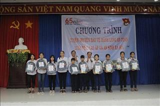Chương trình tuyên truyền bảo vệ an toàn lưới điện cao áp, Văn hóa EVNNPT và an sinh xã hội tại huyện Tịnh Biên, tỉnh An Giang.