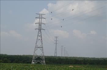 Đóng điện vận hành đường dây 220kV Bình Long – Tây Ninh  (đoạn NMĐMT Dầu Tiếng đi Tây Ninh)