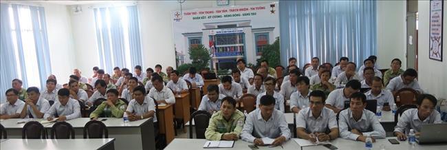 Truyền tải điện Thành phố Hồ Chí Minh tổ chức bồi huấn  thực hiện phiếu công tác, lệnh công tác.