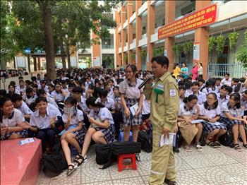 Chi đoàn TTĐ TPHCM tổ chức công tác tuyên truyền bảo vệ hành lang, an toàn lưới điện trên địa bàn Huyện Hóc Môn, TP Hồ Chí Minh