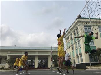 Công đoàn và Đoàn thanh niên Chi đoàn Truyền tải điện Miền Tây 2 tổ chức giải giao lưu bóng chuyền chào mừng ngày Lễ giỗ Tổ Hùng (mùng 10/3), kỷ niệm 46 năm Ngày Giải phóng miền Nam thống nhất đất nước (30/4/1975 - 30/4/2021) và 135 năm ngày Quốc tế