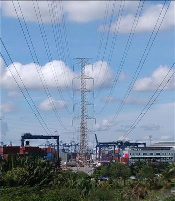 Tuyên truyền, vận động bảo vệ hành lang an toàn lưới điện  gắn với sự kiện trọng đại của Đất nước