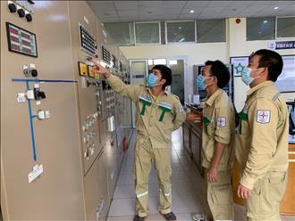 Trạm 500kV Phú Lâm tổ chức bồi huấn nâng cao kiến thức cho kỳ thi sát hạch nghề, nâng bậc và giữ bậc năm 2021